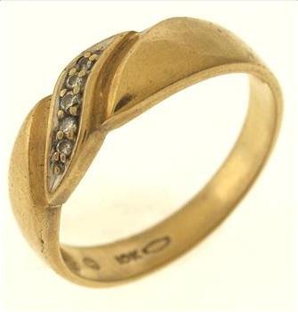 3 7 gram 10kt gold ring property room