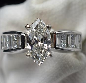 101 marquise diamond 103 ct tw 18k diamond wedding ring valued at 14990 - Marquise Diamond Wedding Ring