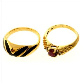 3 3 gram 14kt gold ring with costume ring 2 rings