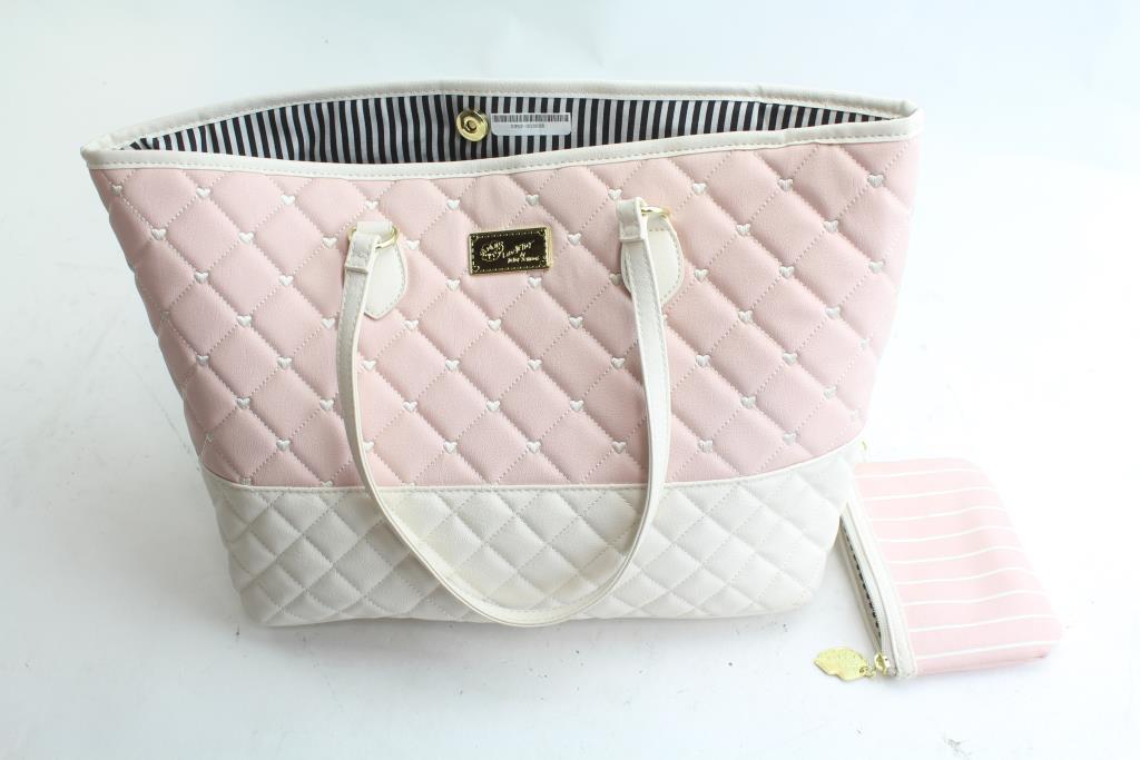 betsey-johnson-handbag-1_20420172059304772895
